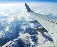 Montañas y ríos aéreos imagen de archivo