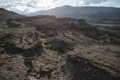 Montañas y ruinas de la piedra imágenes de archivo libres de regalías