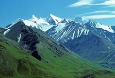Montañas y tundra Nevado fotografía de archivo libre de regalías