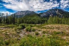 Montañas y una cala Imágenes de archivo libres de regalías