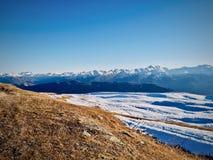 Monta?as en Georgia Montañas de Tibilisi fotografía de archivo
