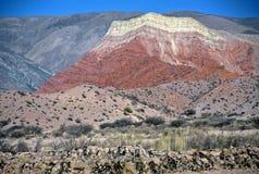Montaña coloreada, Salta, la Argentina Imagen de archivo