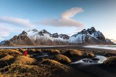 Montaña de Vesturhorn, Islandia Imagenes de archivo
