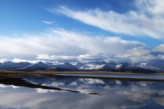 Montañas de la nieve de Tíbet Fotos de archivo