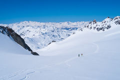 Montañas de las montañas en invierno Fotografía de archivo