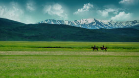 Montada nos primeiros dias da mola em Anatolia oriental Fotografia de Stock Royalty Free