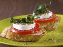 Montadito végétal. Casse-croûte végétarien. Photos libres de droits