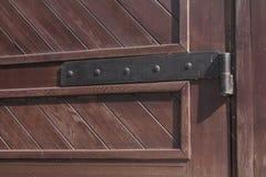 Montado na dobradiça de porta Imagem de Stock