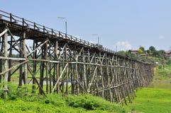 Montag-Brücke bei Sangklaburi Stockfoto