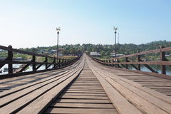 Montag-Brücke (hölzerne Braut Uttamanuson) lizenzfreie stockfotos