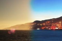 Montage der Jalta-Skylinenacht zum Tag Krim Lizenzfreie Stockfotografie