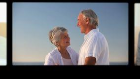 Montage von den entspannenden Senioren stock footage