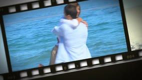 Montage von romantischen Paaren auf der Küste stock video footage