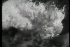 Montage - Wasserüberschwemmungs-Bergwerktunnels stock video footage