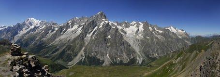 Montagem Blanc e panorama da doninha de Val Fotografia de Stock