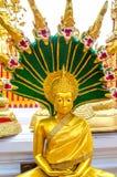 Montagem dourada Wat Phra That Doi Suthep Fotografia de Stock