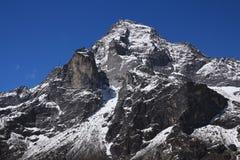 Montagem Khumbi Yul Lha Khumbila igualmente nomeado Deus no culto de Sherpa Fotografia de Stock Royalty Free