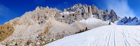 Montagem Latemar nos alpes, Italy foto de stock