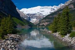 Montagem victoria, Lake Louise fotografia de stock