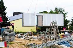 Montaggio della casa prefabbricata Fotografia Stock Libera da Diritti