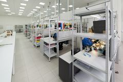 Montaggio di superficie e pre-assemblea dell'officina Industria elettronica Immagine Stock