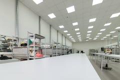Montaggio di superficie e pre-assemblea dell'officina Industria elettronica Fotografie Stock Libere da Diritti