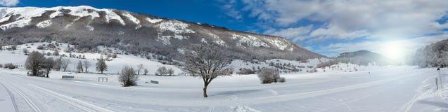 Montagna Abruzzo Italia di Majella di panorama di inverno Immagine Stock Libera da Diritti