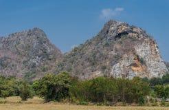 montagna asciutta del calcare di estate Immagini Stock Libere da Diritti