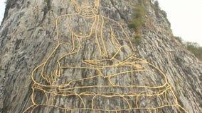 Montagna Chee Chan di Buddha a Pattaya Tailandia stock footage