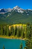 Montagna con colore di autunno Immagini Stock Libere da Diritti