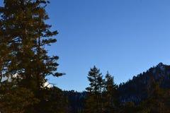 Montagna con il cielo qui sopra Immagine Stock