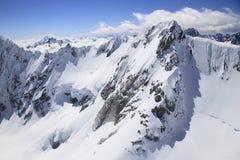 Montagna con il ghiacciaio in Nuova Zelanda Immagini Stock Libere da Diritti