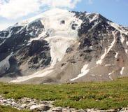 Montagna con l'occhio della neve Montagne di Altai Fotografia Stock Libera da Diritti