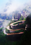 Montagna con la strada di zigzag Fotografie Stock