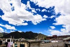 Montagna con le nuvole Immagini Stock Libere da Diritti