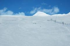 Montagna coperta di neve Fotografie Stock