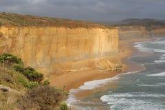 Montagna del calcare alla spiaggia di Melbourne fotografie stock