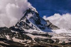 Montagna del Cervino in nuvole Fotografie Stock