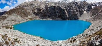 Montagna del lago Laguna 69 e di Chakrarahu Fotografie Stock Libere da Diritti