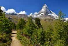 Montagna del Matterhorn nelle alpi della pennina della Svizzera Fotografia Stock