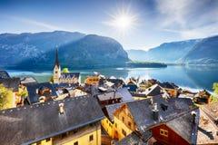 Montagna del paesaggio dell'Austria, lago alp di Hallstatt Immagine Stock Libera da Diritti