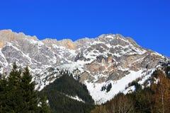 Montagna dell'Austria di inverno nelle alpi Immagine Stock