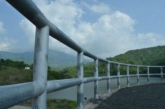 Montagna della diga di vista Fotografia Stock