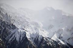 Montagna della neve con cielo blu da Leh Ladakh India Fotografie Stock Libere da Diritti