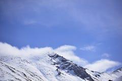 Montagna della neve con cielo blu da Leh Ladakh India Fotografia Stock Libera da Diritti