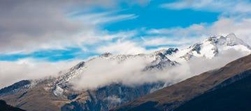 Montagna della neve delle alpi alpine del sud Fotografia Stock