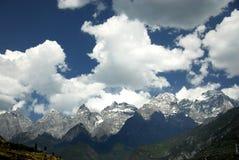 Montagna della neve di Yulong Immagini Stock Libere da Diritti