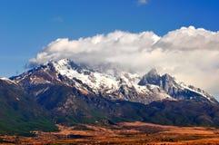 Montagna della neve di Yulong Fotografia Stock