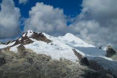 Montagna della neve in Huascaran, Perù Fotografie Stock Libere da Diritti