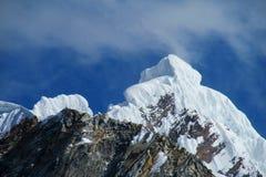 Montagna della neve in Huascaran, viaggio di Santa Cruz nel Perù Fotografie Stock